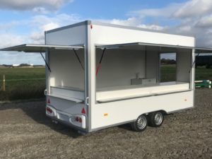 "NEW Trailers Food trailer 4,2m ""salgsvogn"""